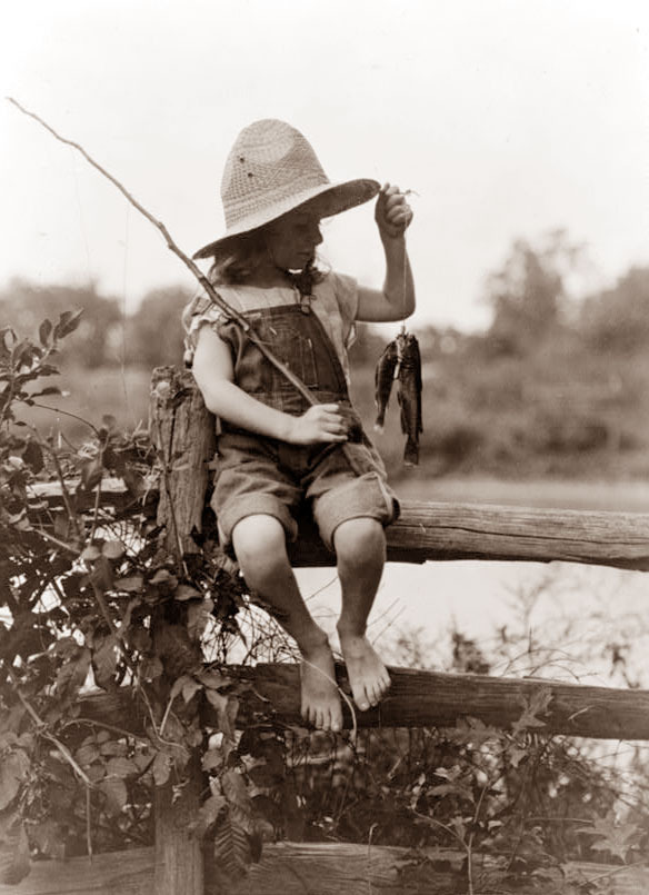 Boy life of a redneck boy and country girl for Country girl fishing